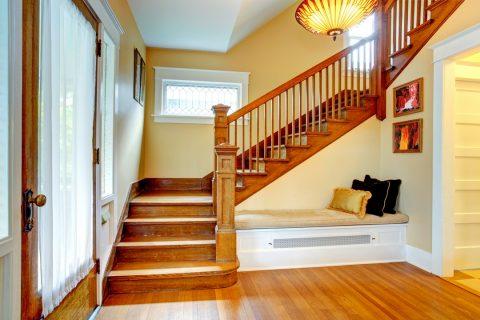 escalier en bois intérieur
